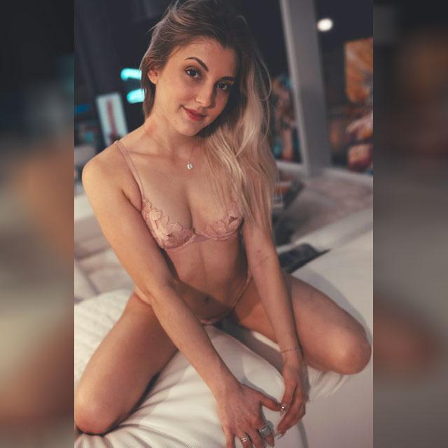 Aiko is an Asian girl stripper in Vegas